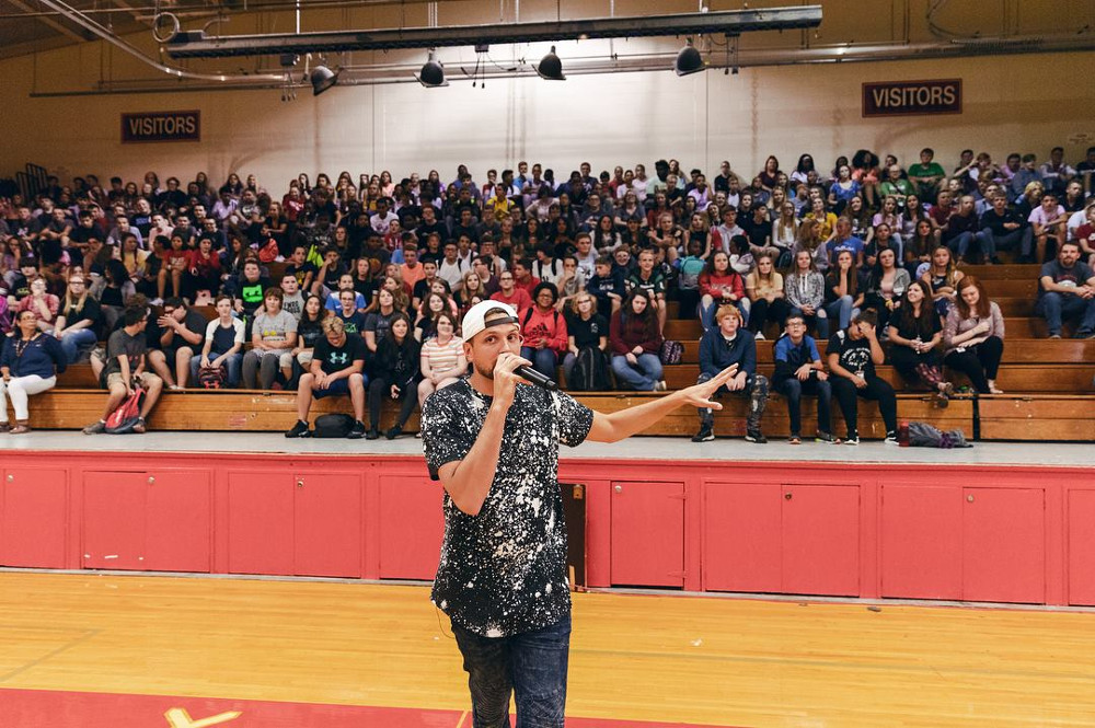 High School Assemblies: How to Find the Right Presenter
